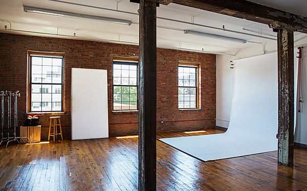 Classic Daylight Photo Studio in Greenpoint, BK
