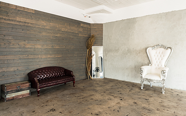 Art 1 - LA Loft with Concrete Textured Wall, Big Windows