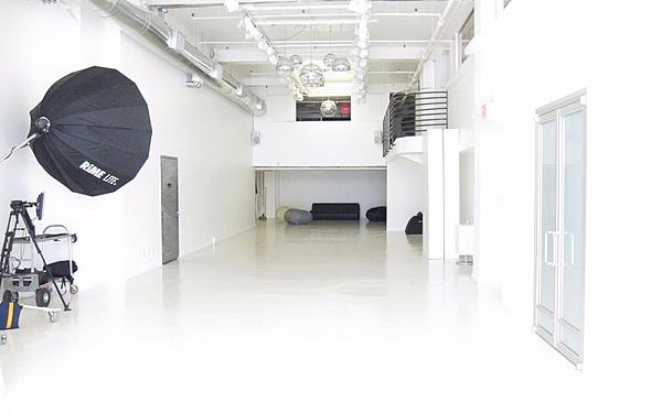 Daylight Drive In Studio - Garment District