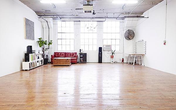 North Light Factory Studio, 1100 sqft w/Grip - Hoboken, NJ