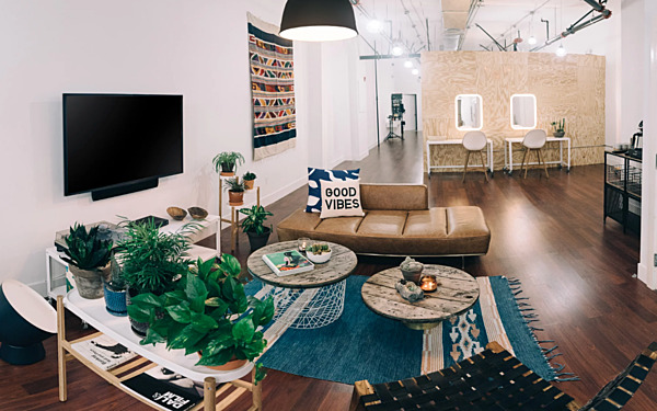 Natural Light Loft/Studio with CYC wall
