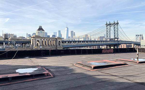 Dumbo Rooftop, Manhattan Bridge and Brooklyn Skyline Views
