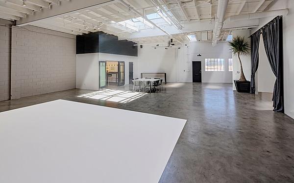 LA - Mid City Natural Light Industrial Space, Studio 3
