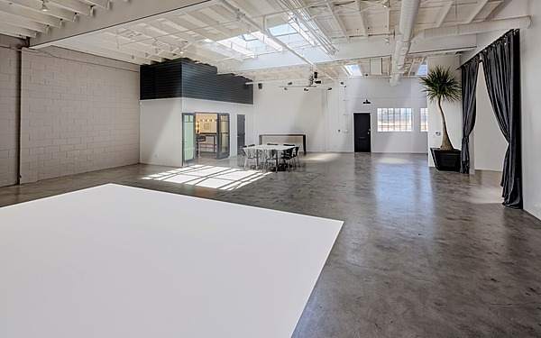 LA - Mid City Natural Light Industrial Space, Studio 3