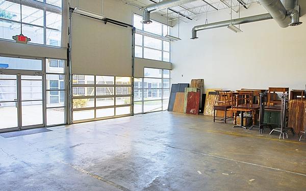 Atlanta Full Working Kitchen and Daylight Studio