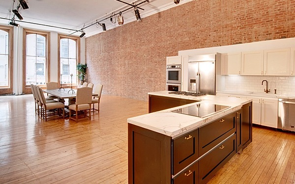 Sunny Union Square Loft w/ Chef's Kitchen