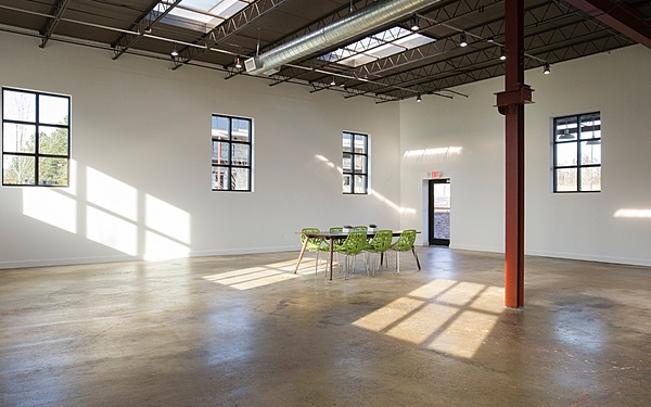 Fully Open, Naturally Lit Photo and Event Studio