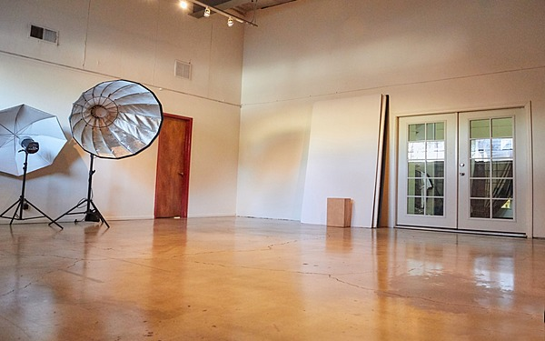 Air Conditioned Downtown LA Photo Studio Equipment Included
