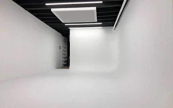 Williamsburg Photo Studio with CYC / Event Space W/Outdoor Space