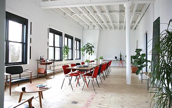 Eastern Facing Studio with Abundant Light and Skylight Cafe