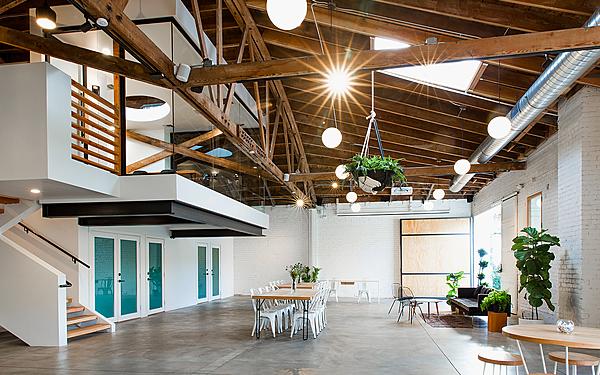 Warehouse Studio with Outdoor Garden Space