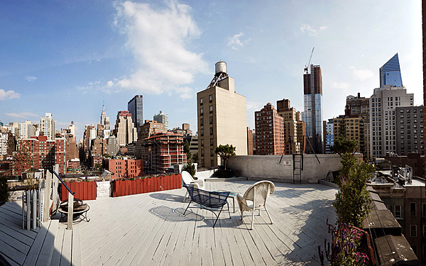 Gorgeous West Side Rooftop with Empire View