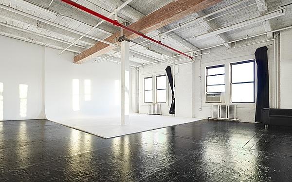 Studio 3 - daylight Cyc Studio
