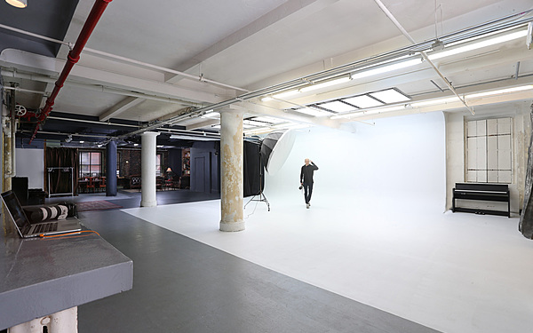 Unique Photo/Video Studio with Equipm Included