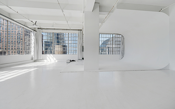 White 10,000 sf| Cyclorama | Terrace on Hudson Yards | High Ceilings