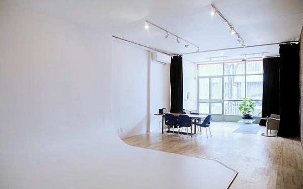 Affordable Cyc Studio in Brooklyn