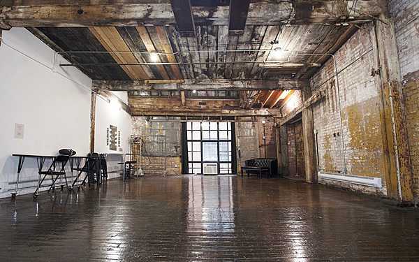 Industrial Loft Photo Studio (Studio 520)