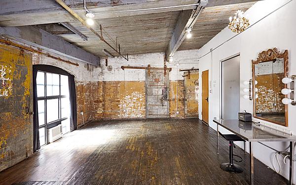 Greenpoint - Studio 524 - 500sf - Industrial Loft