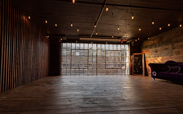 NY Studio 2 - Wood Platform