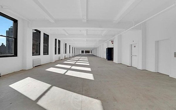 Full Floor Daylight Studio - Southern Exposure