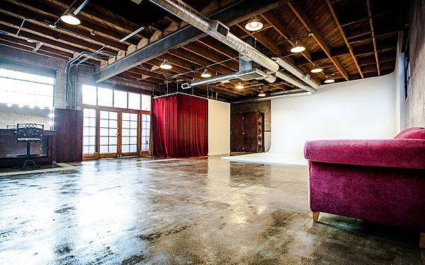 Eagle Rock, LA 1250 sq ft Cyc Studio