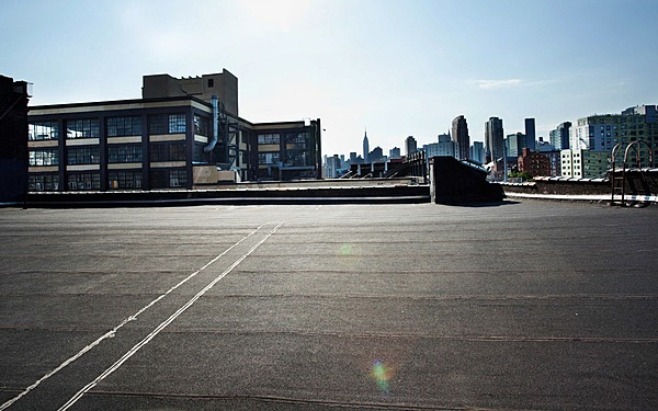 Long Island City, Huge Rooftop w/ view of Manhattan Skyline